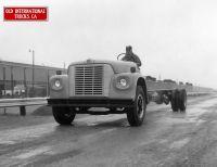 Memory Lane :: next pg memory lane Old School Bus, School Buses, 1948 Ford Truck, Retro Bus, New Holland Agriculture, International Harvester, Busses, Diesel Trucks, Vehicles