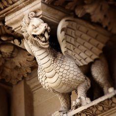 Particolare della facciata di Santa croce a Lecce, Puglia, Italia.