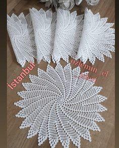 Diy Crafts Crochet, Crochet Art, Crochet Round, Crochet Poncho, Filet Crochet, Crochet Motif, Vintage Crochet, Crochet Leaves, Crochet Snowflakes