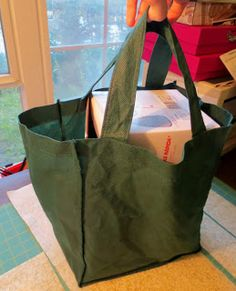 Free Tutorial! DIY: Boxy Grocery Tote Reduce your plastic bag use! Stash buster!