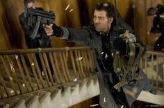 คำคมจากหนัง คำคมภาพยนตร์ แนะนำหนัง ภาพยนตร์ : คำคมจากหนังเรื่อง Shoot Em Up ยิงแม่งเลย