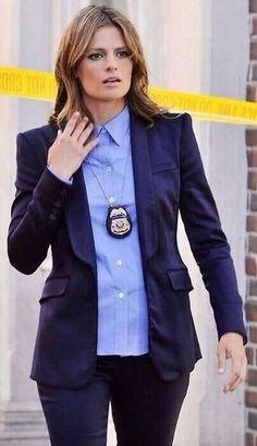 """katicfanatic: """" hopelessaddicted: """" katicfanatic: """" Evolution of Kate Beckett """" It's more like The Evolution of Kate Beckett's hair """" True, but her face looks older too. Castle Series, Castle Tv Shows, Castle Abc, Castle Beckett, Big Bang Theory, Detective Outfit, Nathan Fillon, Watch Castle, Richard Castle"""