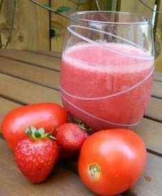 Mezcle el jugo de tomate con jugo de fresa en una proporción 2:1,   junto con el jugo unas ramitas de hojas de albahaca.   La combinación de este jugo es una ayuda impresionante para la pérdida de peso,   ya que da al estómago, una sensación de plenitud y se deshace de los antojos.   Es muy nutritivo y puedes beberlo siempre que tengas la  sensación de hambre