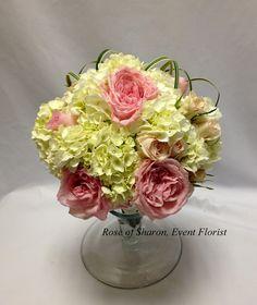 Garden rose and hydrangea bouquet.