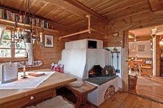Alm Hütte Rustikal Ofen Holzbank Holztisch Holz
