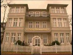 Die Seetel Villa Meeresstrand Bansin auf Usedom begrüßt ihre Gäste direkt an der Promenade mit 12 Suiten und 4 Doppelzimmern. Sie ist dem Seetel Romantik Strandhotel Atlantic angeschlossen. Dort befindet sich auch das Frühstücks- und Abendrestaurant sowie Schwimmbad, Sauna und Dampfbad, die von den Gästen der Villa Meeresstrand kostenfrei genutzt werden können