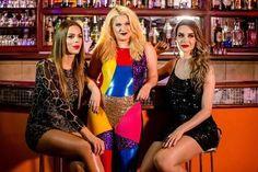 Alice Caymmi posa entre as travestis Melissa Paixão e Viviany Beleboni, que participaram do novo clipe (Foto:  Caio Gallucci)