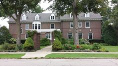 Historical Mansions and Houses of Kenosha Wisconsin - Charles Jeffery House - Eclectic Period Revival c.1904. http://www.housekaboodle.com/historical-mansions-and-houses-of-kenosha-wisconsin/