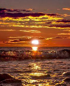 "letslookingattheworldstuff: ""📸 by Location🚩Åland Islands , Finland "" Beautiful Moon, Beautiful Sunrise, Beautiful Places, Beautiful Pictures, Wonderful Places, Amazing Sunsets, Amazing Nature, Nature Wallpaper, Nature Scenes"