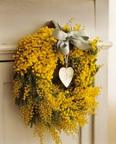 How happy would I be to a have a Mimosa wereath.or some mimosa at all. Wreaths And Garlands, Door Wreaths, Wreath Crafts, Diy Wreath, Couronne Diy, My French Country Home, Yellow Cottage, Deco Floral, Autumn Wreaths