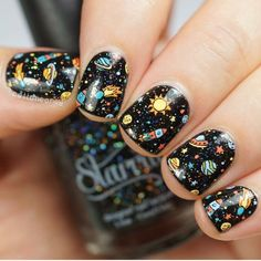 Expand style to your nails with the help of nail art designs. Worn by fashionable personalities, these kinds of nail designs can incorporate instantaneous style to your apparel. Perfect Nails, Gorgeous Nails, Pretty Nails, Nail Polish Dry Faster, Gel Polish, Planet Nails, Uñas Diy, Ten Nails, Galaxy Nails