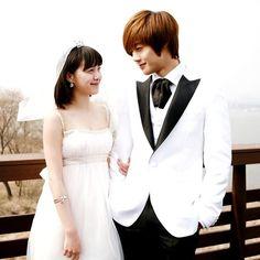 Ku Hye Sun as Geum Jan Di & Kim Hyun Joong as Yoon Ji Hoo in Boys Over Flowers