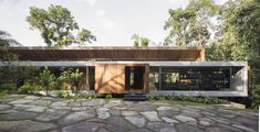 All House / Gui Mattos Completed in 2019 in Brazil. Images by Carolina Lacaz. Leaning in a clearing within the atlantic forest the house floats. Slightly supported by elements of stone its purpose is to settle in the. Residential Architecture, Contemporary Architecture, Interior Architecture, Interior Design, Long House, Porche, Floating House, Architect House, Modern House Design
