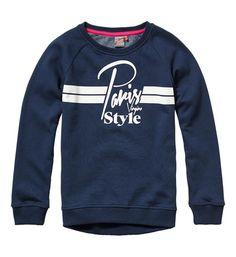 Vingino sweater model Nicoletta. Deze trui is voorzien van een print aan de voorzijde en heeft een ronde ribgebreide hals.