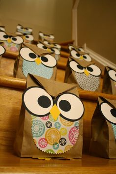 Prepping for a kids birthday party is no simple task. These owl goody bags are. Owl Theme Classroom, Classroom Teacher, Kindergarten Classroom, Classroom Ideas, Owl Treats, Dulceros Halloween, Birthday Party Treats, Owl Parties, Christmas Bags