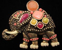 Rare-Vintage-2-1-2-Signed-Hattie-Carnegie-Goldtone-Jeweled-Elephant-Brooch-A60