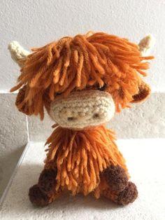 Crochet Amigurumi Animal Highland cow, in all its hairy glory. Wisht this also had a PATTERN! - Post with 0 votes and 2329 views. Highland cow, in all its hairy glory :) Crochet Easter, Crochet Cow, Crochet Gratis, Love Crochet, Crochet Animals, Diy Crochet, Crochet Dolls, Crochet Birds, Scarf Crochet