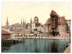 Biblioteka Kongresu Stanów Zjednoczonych jest jedną z największych na świecie. Została założona w 1800 r., a obecnie spora jej część jest zdigitalizowana na zasadzie wolnych praw. Samych zdjęć znajduje się w systemie aż 12 mln! Znaleźliśmy wśród nich zdjęcia polskich miast sprzed I wojny światowej. Na zdjęciu - widok z wyspy Ołowianki na Żuraw i Główne Miasto w Gda&#32...