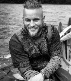 January 10 2019 at Ragnar Lothbrook, Ragnar Lothbrok Vikings, Lagertha, Travis Vikings, Vikings Travis Fimmel, Vikings Show, Vikings Tv, Hot Actors, Actors & Actresses