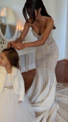 Dream Wedding Dresses, Bridal Dresses, Bridesmaid Dresses, Wedding Goals, Wedding Day, Boho Wedding, Wedding Ring, Dream Dress, Perfect Wedding