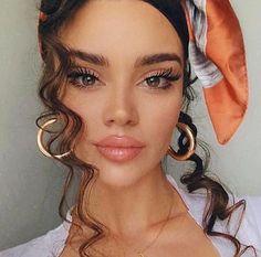 57 Ideas for makeup looks brunette curls Beauty Make-up, Beauty Hacks, Hair Beauty, Makeup Inspo, Makeup Inspiration, Makeup Ideas, Makeup Looks, Face Makeup, Peachy Makeup Look