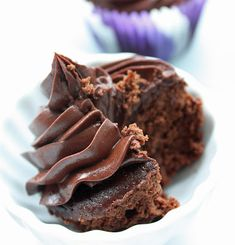 I Breathe... I'm Hungry...: Chickpea Chocolate Cupcakes (Low Carb/Gluten Free)  So. Much. Chocolate!!!!!!