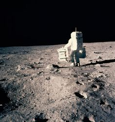 Astronaut Buzz Aldrin prepares to deploy two components of the Early Apollo Scientific Experiments P. - Photograph by NASA Apollo 11 Mission, Apollo Missions, Apollo Space Program, Buzz Aldrin, National Geographic Society, Neil Armstrong, Space Photos, Moon Landing, Astronaut