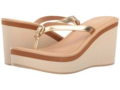Comfort Sandals For Summer has never been so Inspirational! Since the beginning of the year many girls were looking for our Of The Best guide and it is finally got released. Now It Is Time To Take Action! See how. Bridal Sandals, Bridal Shoes, Wedding Shoes, Wedge Sandals Outfit, Shoes Flats Sandals, Stylo Shoes, Indian Shoes, Boot Jewelry, Comfortable Sandals