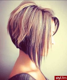 Fryzury Rozpuszczone włosy: Fryzury Krótkie Na co dzień Proste Rozpuszczone - CzEkOlAdKa2010 - 2409521