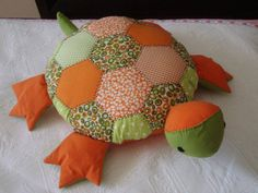 Diy Arts And Crafts, Felt Crafts, Fabric Crafts, Crafts For Kids, Sewing Toys, Baby Sewing, Sewing Crafts, Hand Sewing Projects, Turtle Pattern