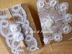 Quaderno agenda in stile  shabby chic  in tela juta e pizzo con roselline bianche , idea regalo., by Le gioie di  Pippilella, 15,00 € su misshobby.com