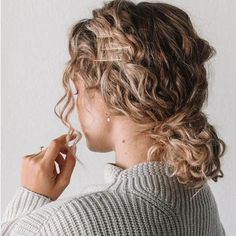 17 Beautiful Ways to Style Blonde Curly Hair - hair style Short Blonde Curly Hair, Curly Hair Styles, Blonde Curls, Natural Hair Styles, Curly Short, Curly Girl, Thick Hair, Curly Hair Bun Styles, Braids For Curly Hair