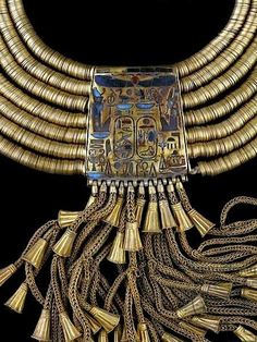 Gold necklace of Psusennes I (detail) Ancient Egypt - Dynasty XXI, 3rd Intermediate period
