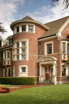 #americahorrorstory villa for sale