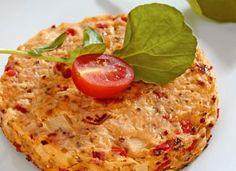 Um novo jeito de incluir a salada na rotina é apostar na receita de hambúrguer especial de palmito.