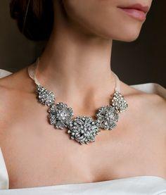 Bridal Brooch Necklace, Bridal Statement Necklace, Rhinestone Statement Necklace, Wedding Necklace, Chunky Bride Necklace etsy.com/lottiedadesigns #statmentnecklace #1920swedding #gatsby