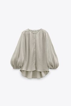 Iranian Women Fashion, Sleeves Designs For Dresses, Stylish Shirts, Casual Winter Outfits, Cutwork, Long Blouse, Blouse Designs, Ideias Fashion, Fashion Outfits