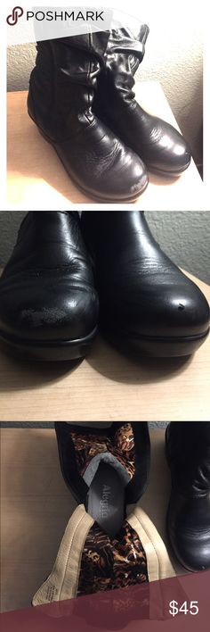 "Alegría ""Ivy"" Black Zip Up Boots These healed boots are super comfortable and fit like a glove. There are zippers are on both sides so they are easy to get in. Heels are two inches high. Foot beds are replaceable. Slight scuff and wear on toes Alegria Shoes Heeled Boots"