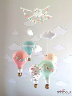 Hot air balloon mobile - pastel baby pink, white and grey - מובייל כדורים פורחים