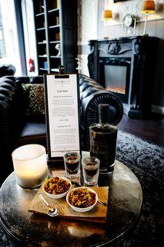 Mr. Gatsybys Wohnzimmer Restaurant, Style Lounge, Snacks, Chocolate Fondue, Craft Beer, Ale, Desserts, Crafts, Food