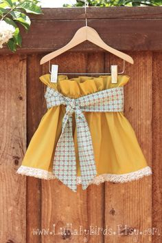 Cute paper bag skirt idea. Make a similar one for Miss K to wear with tights and boots for our family pictures...