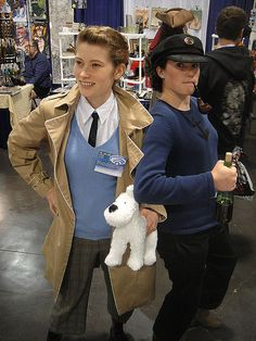 This is such an easy yet recognizable costume. What you need to do: Get a beige trench coat, white button-down shirt, blue sweater, and brown pants. Source: Flickr user Pop Culture Geek