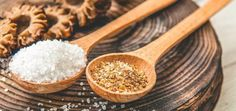 Twinkle toes: diy pedicure at home - darling magazine Diy Pedicure, Pedicure At Home, Body Scrub Recipe, Diy Body Scrub, Salt Water Flush, Coquille Saint Jacques, How To Prevent Cavities, Superfoods, Natural Remedies