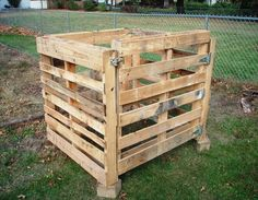 Pallet Furniture | ... To Build A Compost Bin Out Of Wooden Pallets |