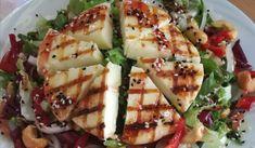 Σαλάτα με ταλαγάνι και βινεγκρέτ μουστάρδας Zucchini, Vegetables, Food, Essen, Vegetable Recipes, Meals, Yemek, Veggies, Eten