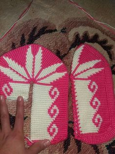 This Pin was discovered by Ант Tunisian Crochet, Free Crochet, Knit Crochet, Crochet Boots, Crochet Slippers, Knitting Socks, Baby Knitting, Sewing Patterns, Crochet Patterns