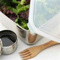 U Konserve large stainless steel food container. The 50 ounce, leak proof container is a non-toxic and non-leaching alternative to plastic containers. Stainless Steel Containers, Insulated Lunch Tote, Sticker Removal, Salad Bar, Food Containers, Kitchenware, Bamboo, Lunch Box, Dividers