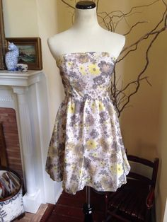 ANTHROPOLOGIE ROMANTIC FLORAL STRAPLESS Womens Dress SMALL 4 Homecoming DATE #GRACIA #ANTHROPOLOGIE #Sheath #Cocktail #homecoming #strapless #romanticdress