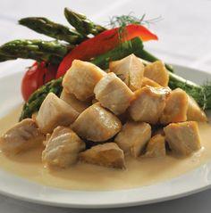 PESCADO EN SALSA DE PERA ( 6 porciones) INGREDIENTES – Para el pescado -• 2 cucharadas de aceite de oliva• 1 kg de filete de pescado cortado en cubos• 1 cucharada de hinojo picado finamente•…