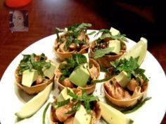 Healthy : Salmon Poke in Wonton Cups (Appetizers)!